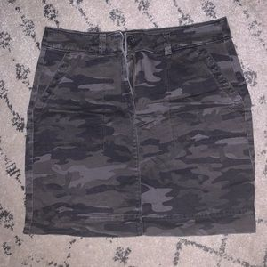 Camo fitted skirt